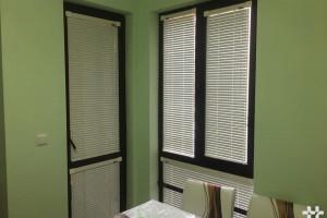 Снимка номер 4 за Външни, вътрешни щори, комарници. Проектиране, монтаж кухни, мебели
