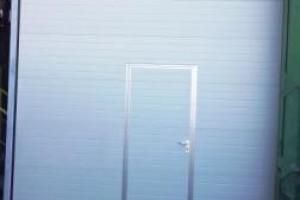 Снимка номер 5 за Доставка , монтаж и ремонт  на:  секционни   врати